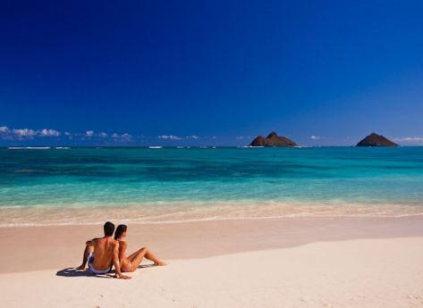 Hawaii beach and couple